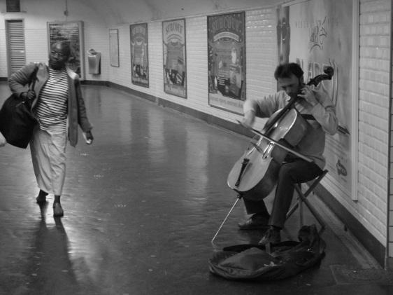 Paris Metro Musician